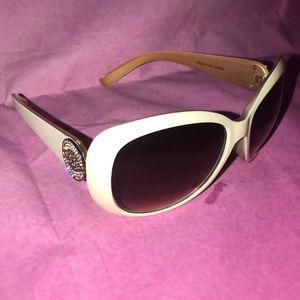 Carol Brodie evil-eye sunglasses EUC